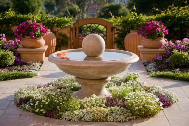 15 ideas for decorative garden with special details (14)