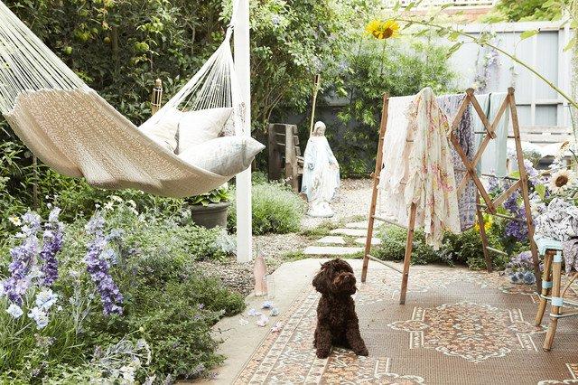 16 shabby chic ransform your garden (12)