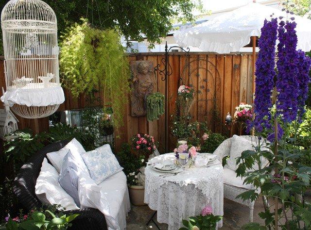 16 shabby chic ransform your garden (15)