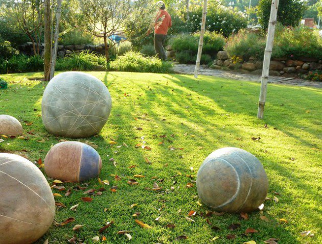 17 ideas-for-decorating-your-exterior-with-boulders (13)