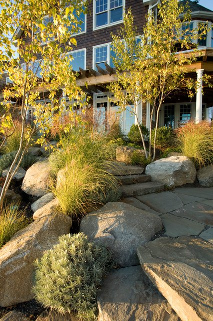 17 ideas-for-decorating-your-exterior-with-boulders (8)