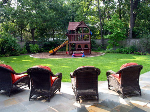 17-kids-friendly-backyards (15)