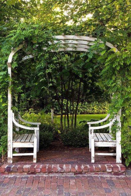 17-lively-shabby-chic-garden-designs (6)