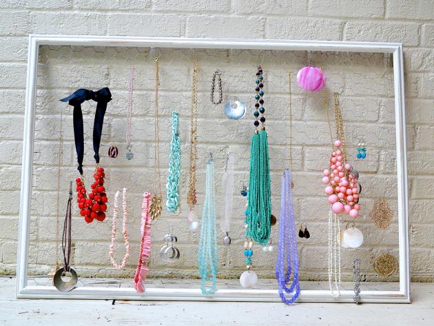 19 diy hanging jewelry (1)