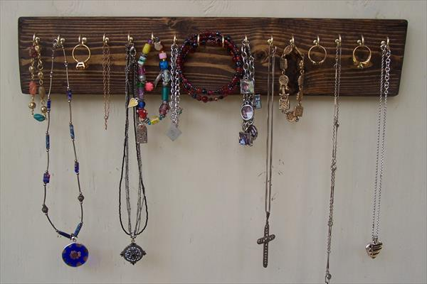 19 diy hanging jewelry (17)