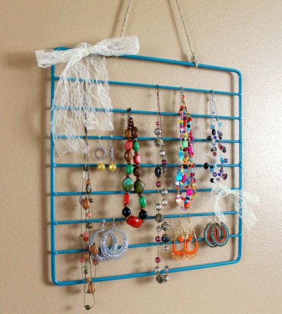 19 diy hanging jewelry (18)