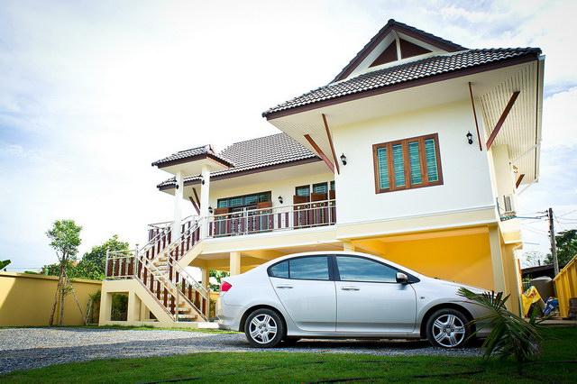 Review : สร้างบ้านหลังน้อยทรงไทยประยุกต์ 2 ห้องนอน งบประมาณ 1.4 ล้านบาท