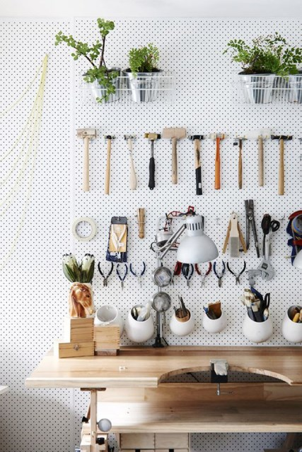 20 pegboard ideas to organize room (10)