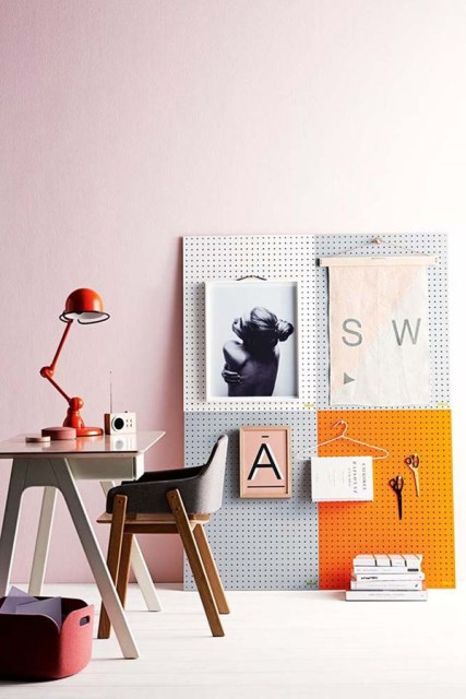 20 pegboard ideas to organize room (16)
