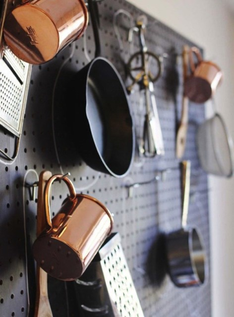 20 pegboard ideas to organize room (4)