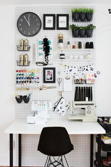 20 pegboard ideas to organize room (5)