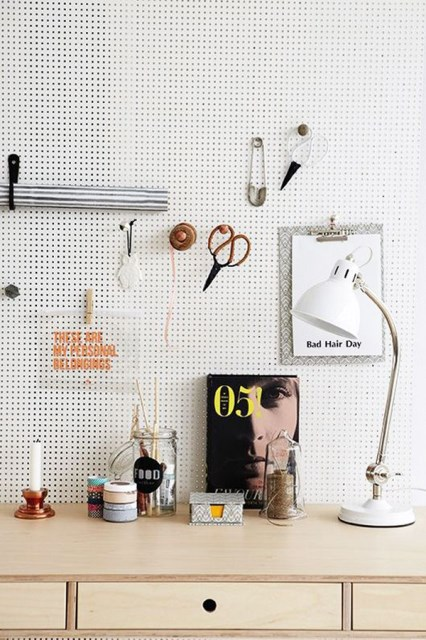 20 pegboard ideas to organize room (6)