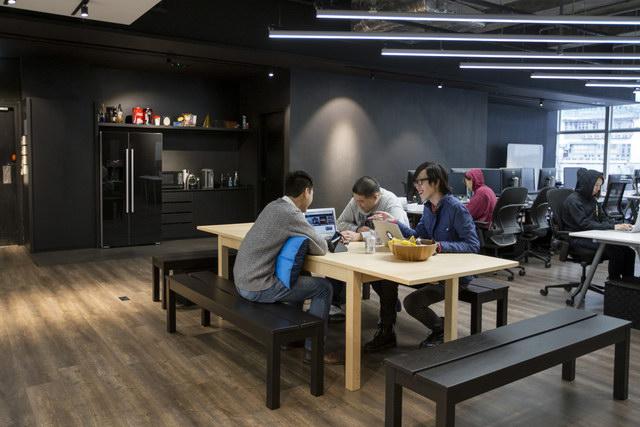 9gag-office-hongkongg (13)