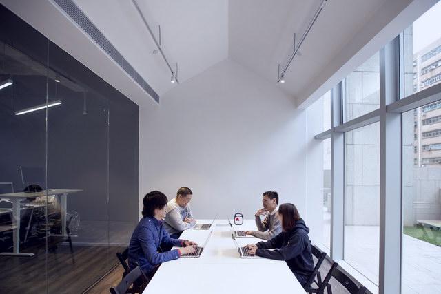 9gag-office-hongkongg (14)