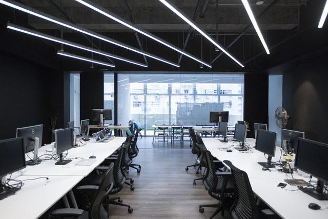 9gag-office-hongkongg (4)