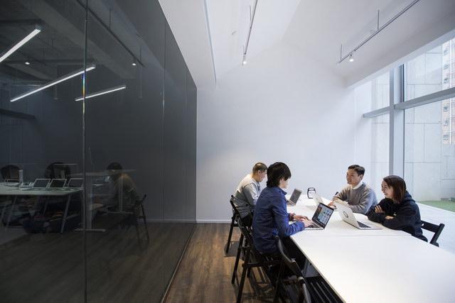 9gag-office-hongkongg (6)
