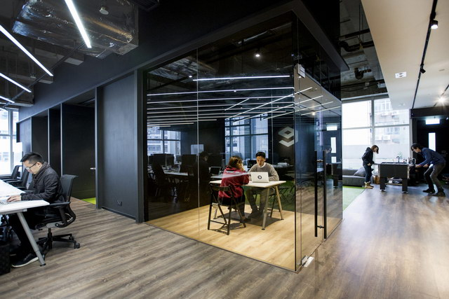 9gag-office-hongkongg (7)