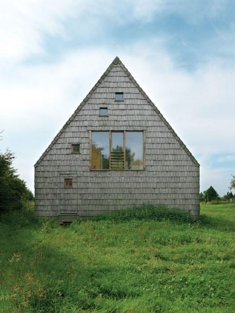 A-frame-house-designrulz-11