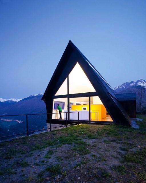 A-frame-house-designrulz-20