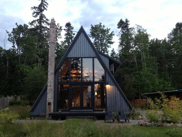 A-frame-house-designrulz-3