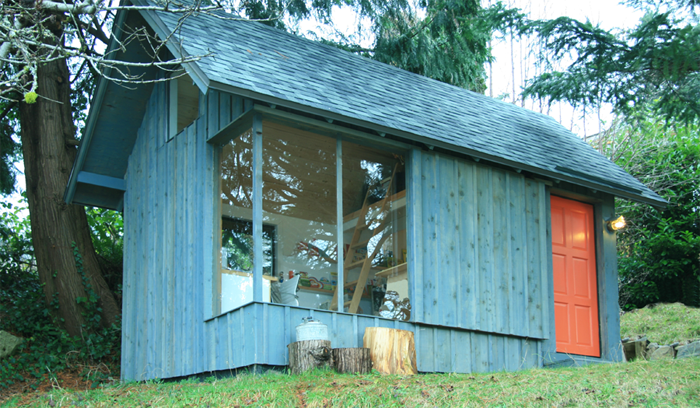 Compact house Rustic style (1)
