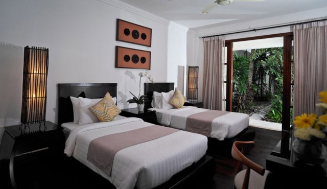 Contemporary residences pool villa (4)