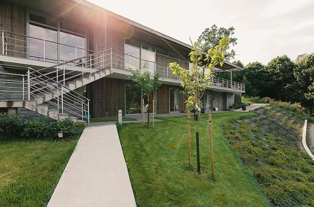 Cottage contemporary House 2 storey chic design (22)
