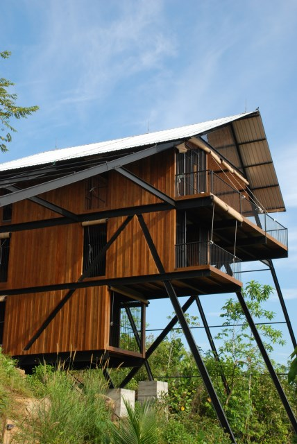 Hillside villa cabins style (1)