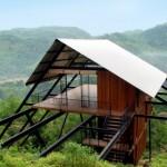 บ้านตากอากาศริมเขา สไตล์เคบิน จากโครงสร้างเหล็ก ตกแต่งด้วยไม้