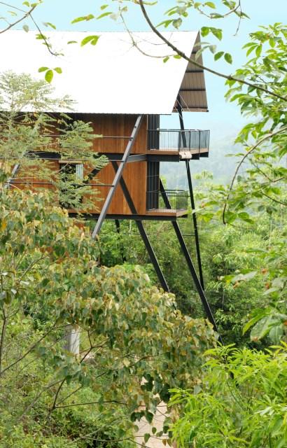 Hillside villa cabins style (2)