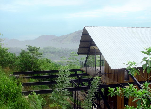 Hillside villa cabins style (3)
