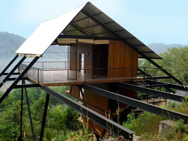 Hillside villa cabins style (4)