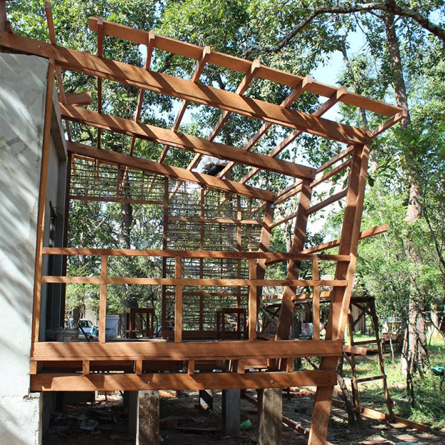 Modern Eco style Decorated with wood and galvanized sheet (1)