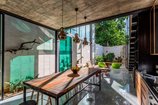 Modern homes With outdoor relaxation And pool (1)