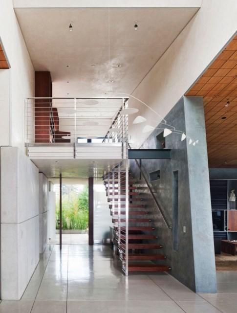 Modern house With modern garden (12)