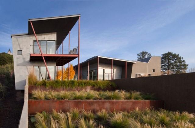 Modern house With modern garden (3)
