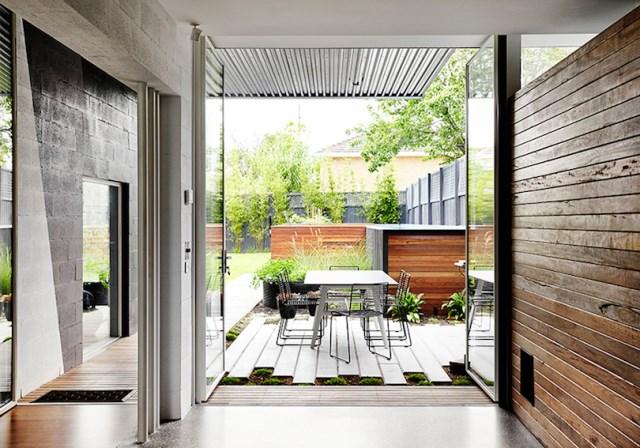Modern house box Shape Wood and glass  (3)