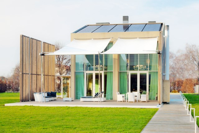 Modern house energy efficient With recycled materials (7)
