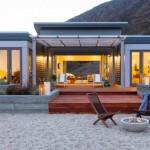 บ้านโมเดิร์นขนาดเล็ก ออกแบบให้มีเฉลียงกลางบ้าน รับกับครอบครัวสมัยใหม่