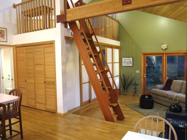 Rustic wooden house Wood interior (9)