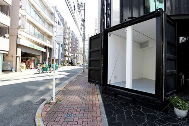 Tomokazu-Hayakawa-Recycled-Shipping-Containers-Gallery-CC4441-2