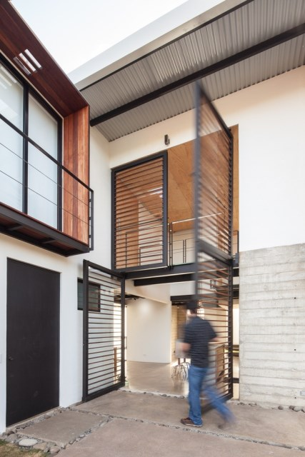Two-storey Medium house Modernlofts Wood and cement (12)