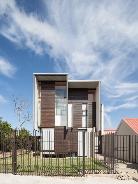 Two-storey Medium house Modernlofts Wood and cement (6)