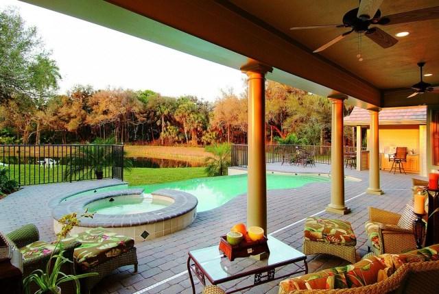 Two-story contemporary home decor 2 tone (1)