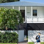 บ้านสองชั้นอารมณ์แบบคอทเทจ ตกแต่งด้วยไม้และอิฐโชว์แนว ดูอบอุ่นรับกับครอบครัวขนาดกลาง