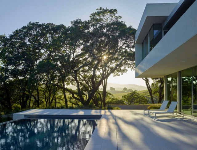 Villa house with swimming pools on the Hill (14)
