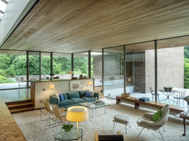 brick-and-wood-aesthetic-of-dana-house (24)