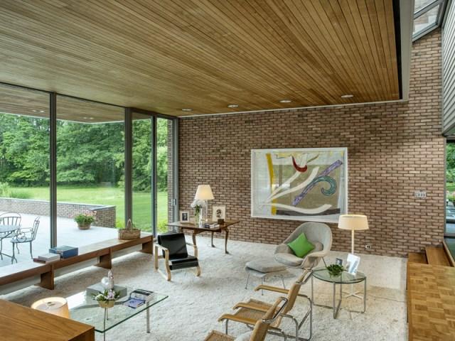 brick-and-wood-aesthetic-of-dana-house (7)