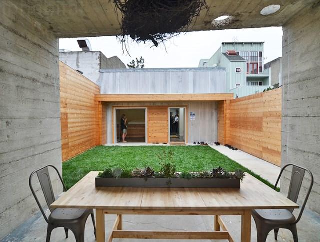 bunker concret home hides courtyard (10)