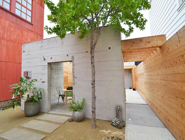 bunker concret home hides courtyard (11)